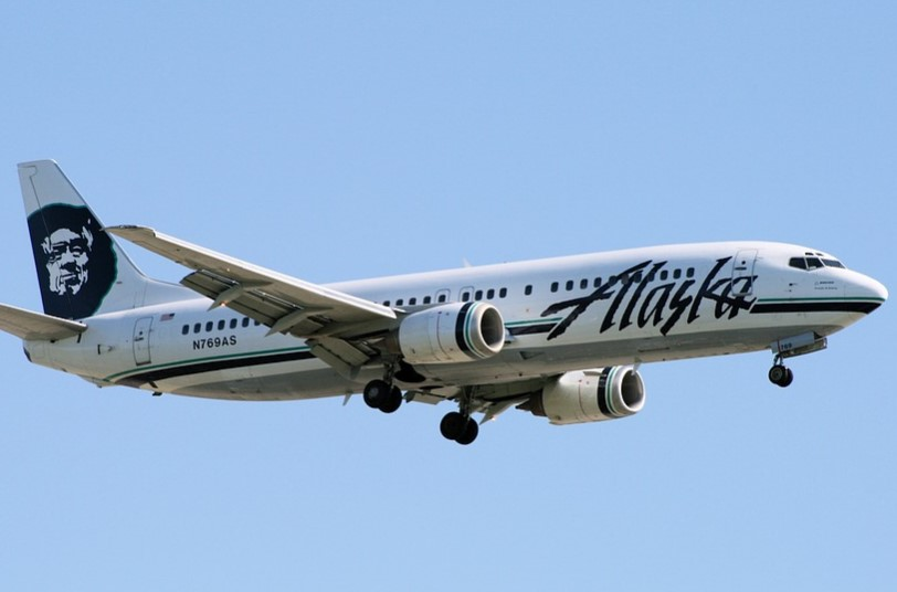 Alaska Airlines flight (illustration)