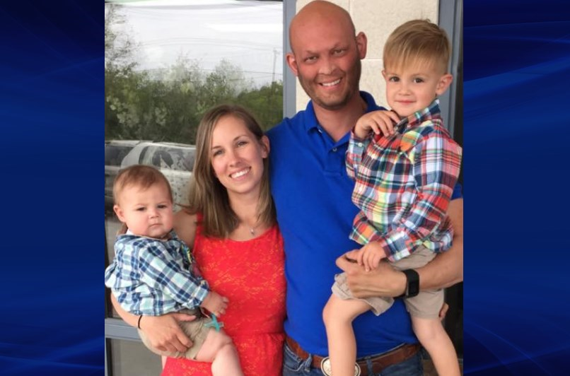 Lee Goggin with his wife Courtney and 2 of their 3 children